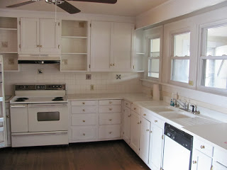 Kitchen before organization and redesign
