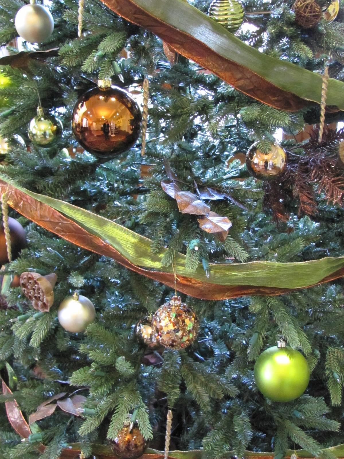 Seasonal Christmas Decor by Good Egg Organizing